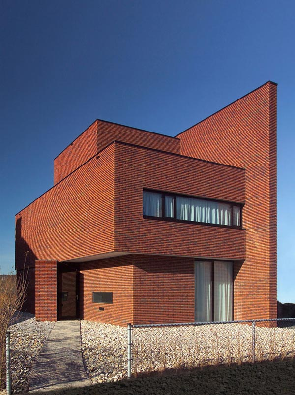 brick-wall-house-03.jpg