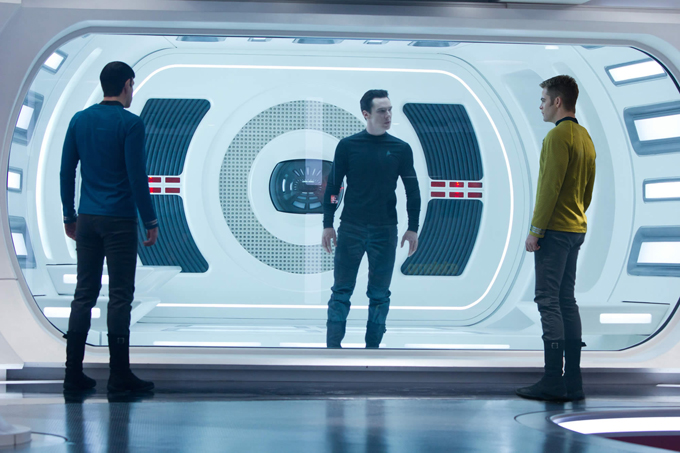 big_68259_zachary-quinto-benedict-cumberbatch-and-chris-pine-in-star-trek-into-darkness.jpg