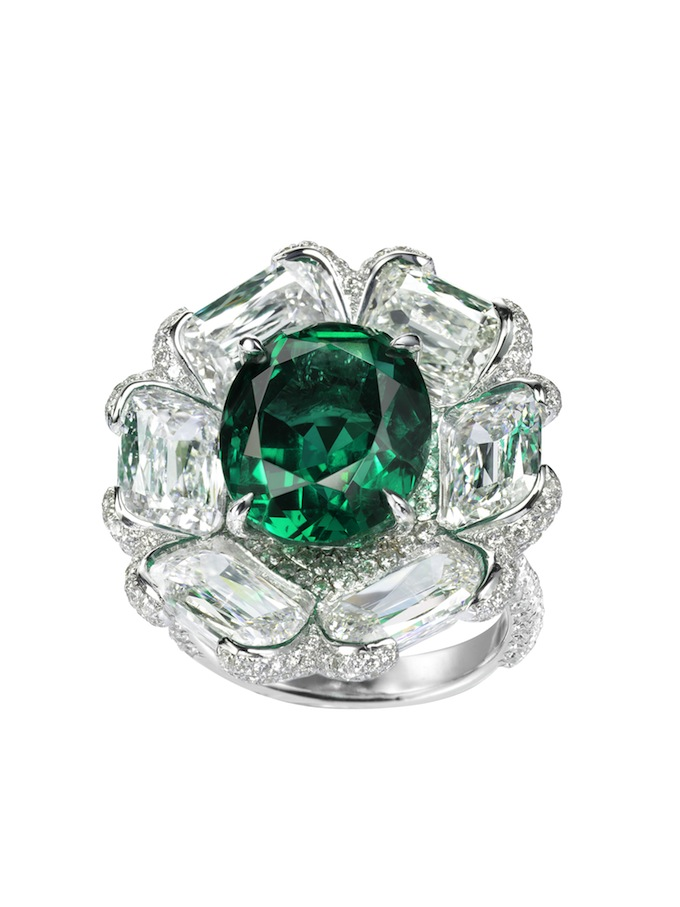 7_Emerald and diamond ring.jpg