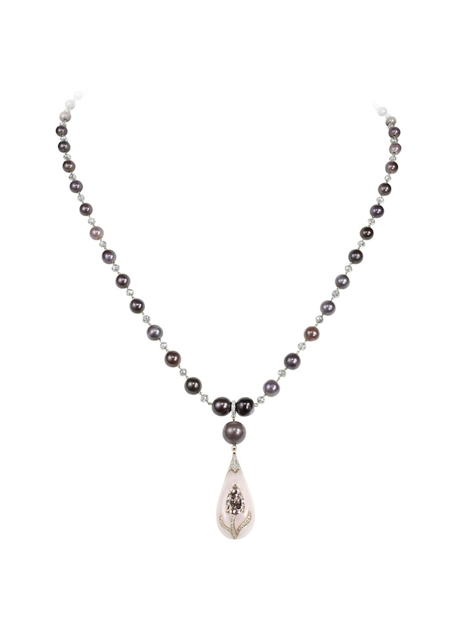 7_Fancy intense brownish pink diamond inlaid into opal and natural pearls necklace.jpg