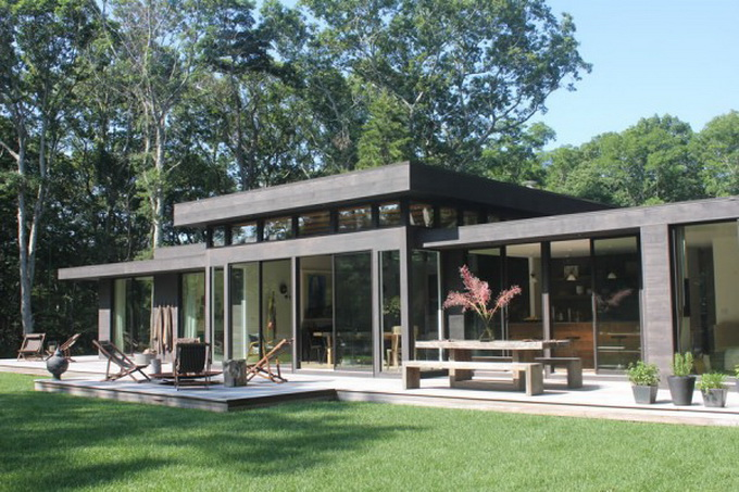 athena-and-victor-calderones-amagansett-home-1-600x390.jpg