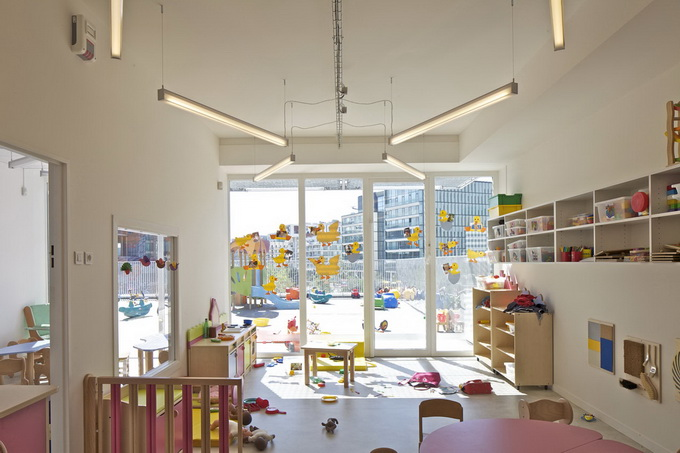 6-day-nursery-of-the-giraffe-by-hondelatte-laporte-architectes.jpg