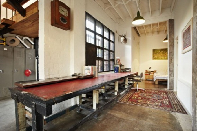 trendhome-warehouse-turned-into-2-lofts-melbourne-01-600x903.jpg