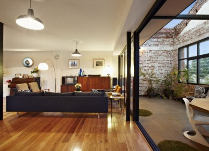 trendhome-warehouse-turned-into-2-lofts-melbourne-01-600x919.jpg