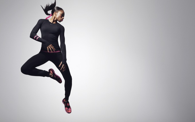 22-Allyson_Felix-Black_and_Pink_Look_15643.jpg