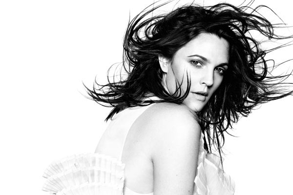 hbz-march-2013-drew-barrymore-white-lgn.jpg