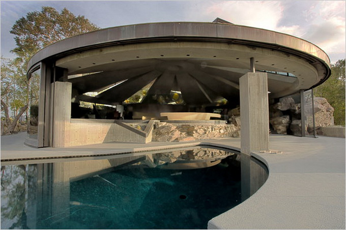 palm-springs-modernist-architecture-2.jpg