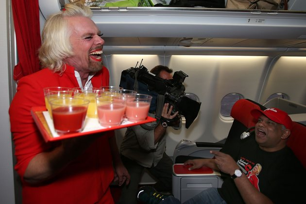 richard_branson_stewardess02.jpg