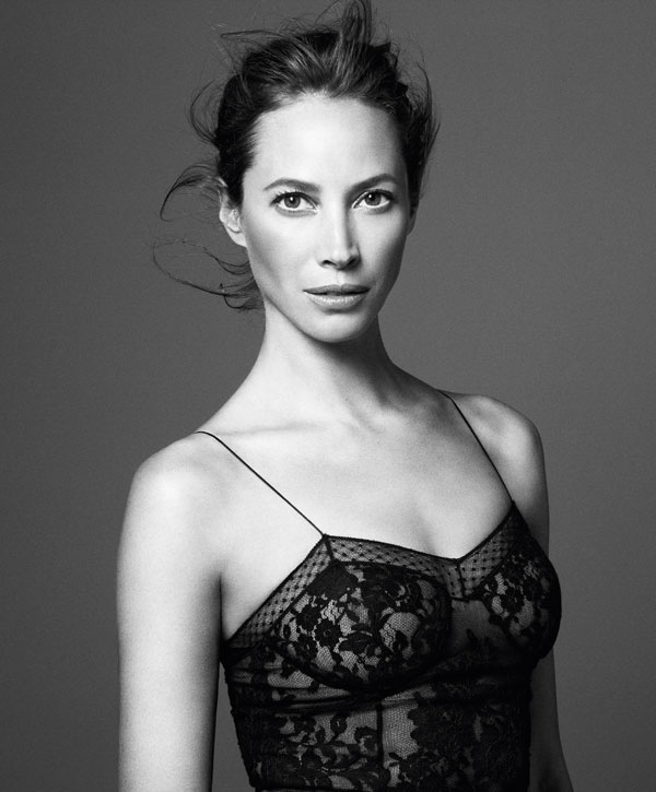 christy-turlington-harpers-bazaar3.jpg