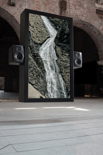 Audiovisual-Installation-of-Waterfalls10.jpg