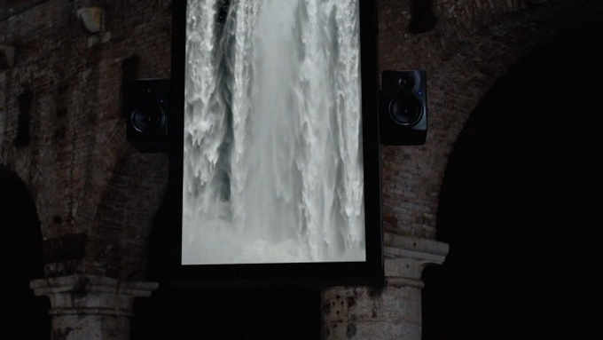 Audiovisual-Installation-of-Waterfalls6.jpg