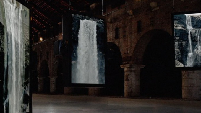 Audiovisual-Installation-of-Waterfalls7.jpg