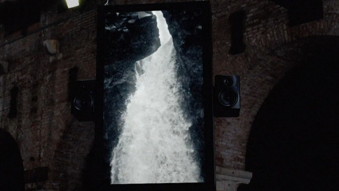 Audiovisual-Installation-of-Waterfalls9.jpg