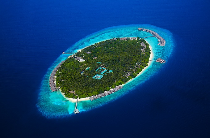 Отель Dusit Thani Maldives на острове Баа Атолл