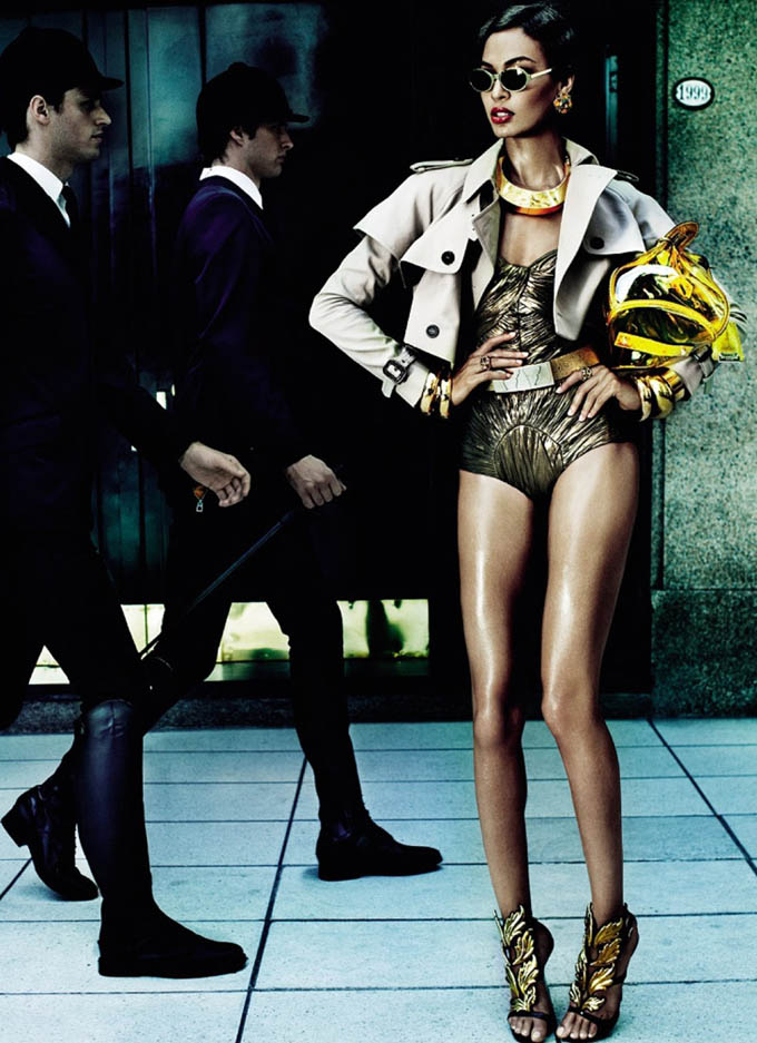 Joan-Smalls-Mario-Testino-Vogue-Brasil-02.jpg