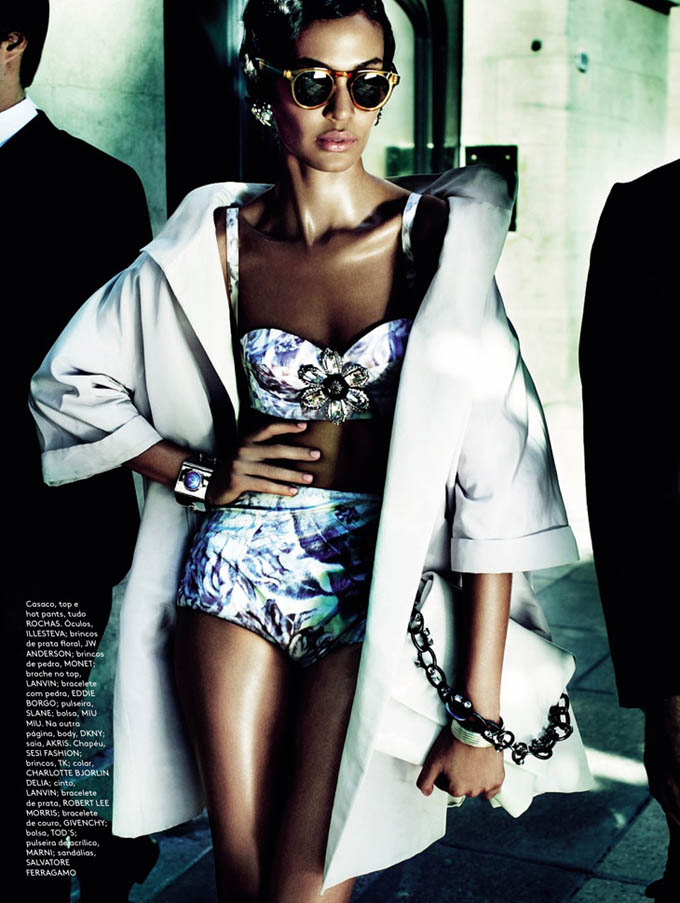 Joan-Smalls-Mario-Testino-Vogue-Brasil-04.jpg