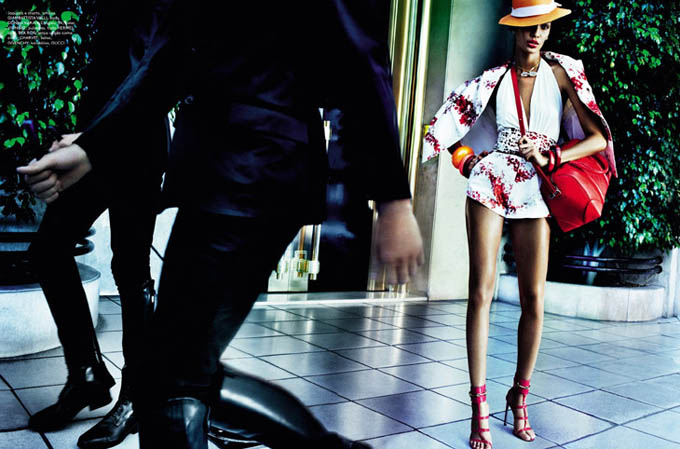 Joan-Smalls-Mario-Testino-Vogue-Brasil-06.jpg