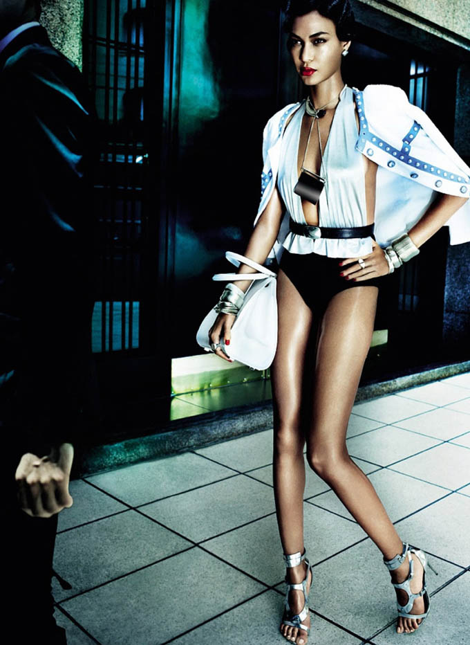 Joan-Smalls-Mario-Testino-Vogue-Brasil-09.jpg
