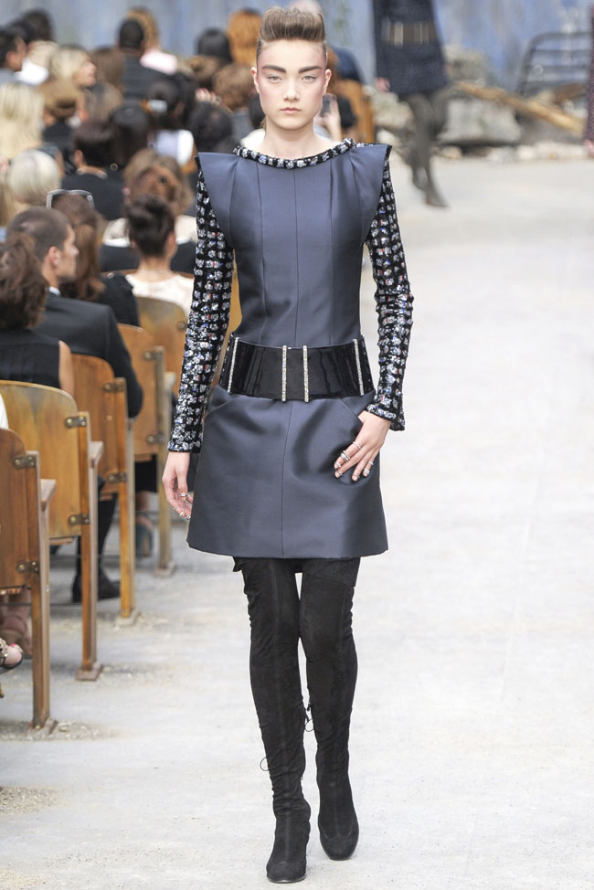 chanel-haute-couture-fall-26.jpg