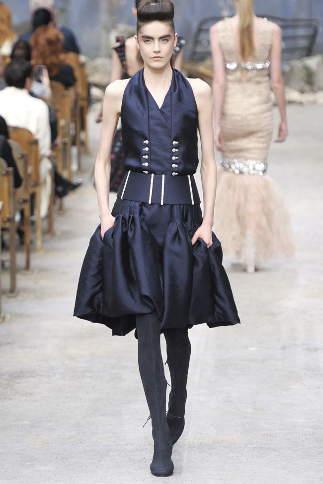 chanel-haute-couture-fall-36.jpg
