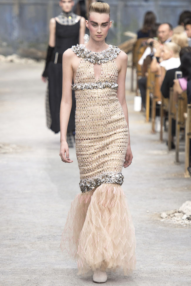 chanel-haute-couture-fall-43.jpg
