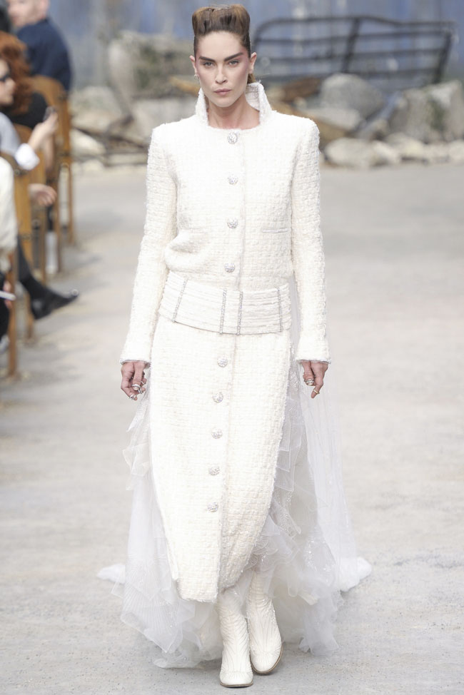 chanel-haute-couture-fall-67.jpg