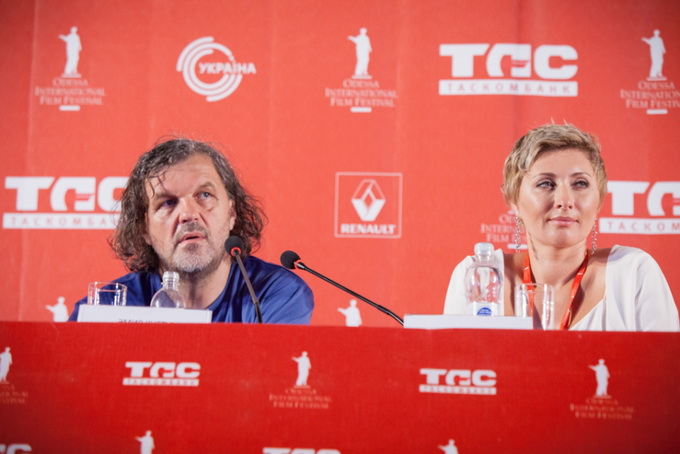 OIFF_2013-07-12_Press-conference-by-Emir-Kusturica-at-the-opening-of-the-4th-of-Odessa-International-Film-Festival_small-2234_137_2.jpg