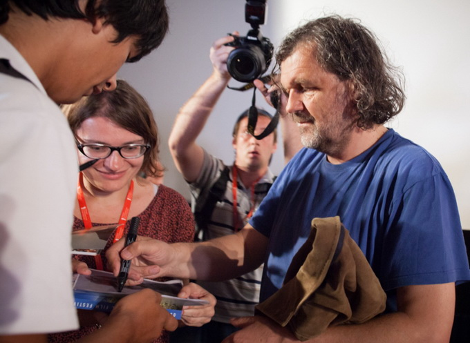 OIFF_2013-07-12_Press-conference-by-Emir-Kusturica-at-the-opening-of-the-4th-of-Odessa-International-Film-Festival_small-2234_137_4.jpg