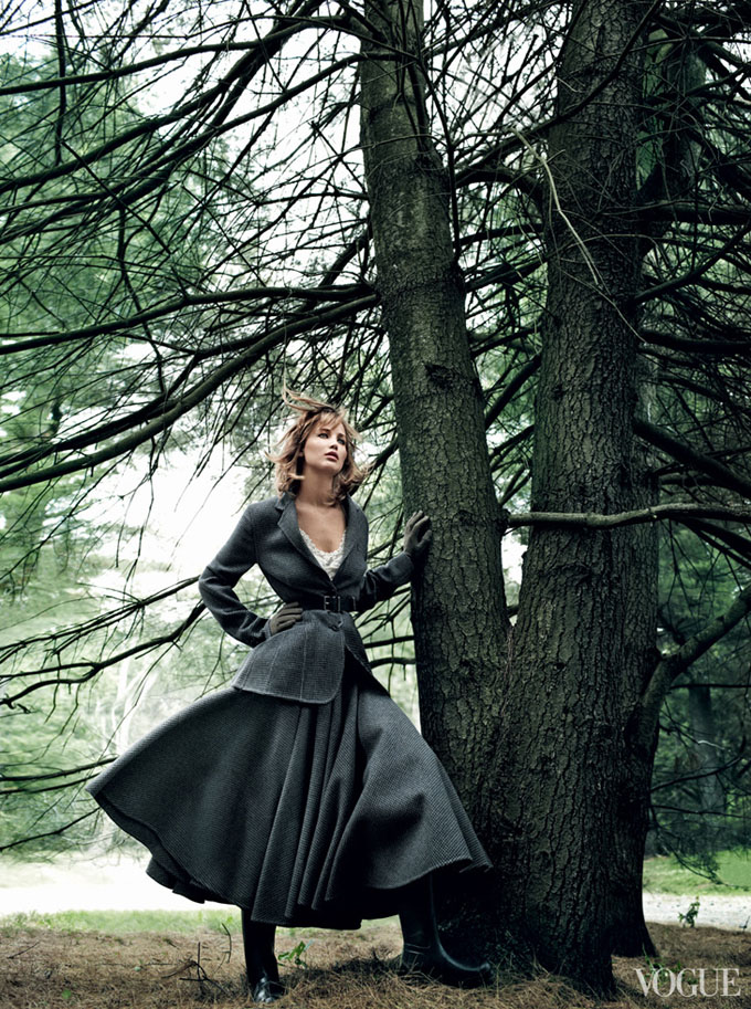 Jennifer-Lawrence-Vogue-US-Mario-Testino-03.jpg