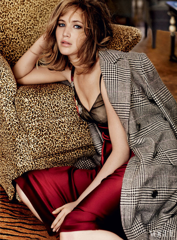 Jennifer-Lawrence-Vogue-US-Mario-Testino-04.jpg