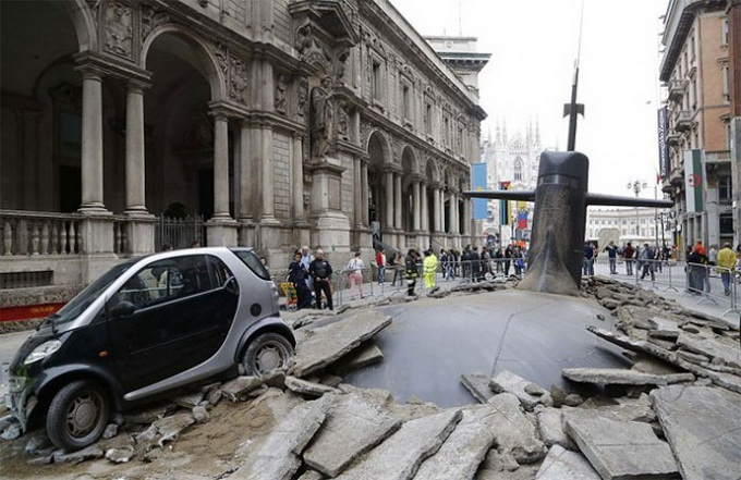 Submarine-in-Milan-640x416.jpg