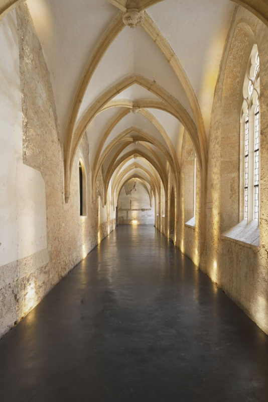 Dominican-Monastery-into-Performance-Center-1-640x828.jpg