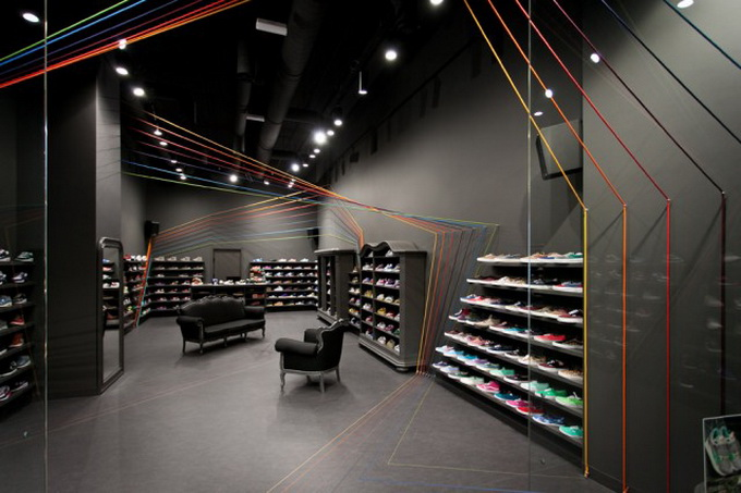 Run-Colors-Sneaker-Store-1-640x438.jpg