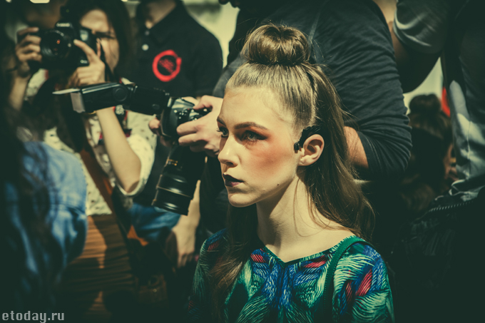 etoday-MBFW ss14-backstage-48.jpg