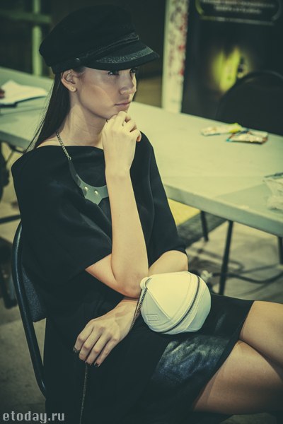 etoday-MBFW ss14-backstage-8.jpg