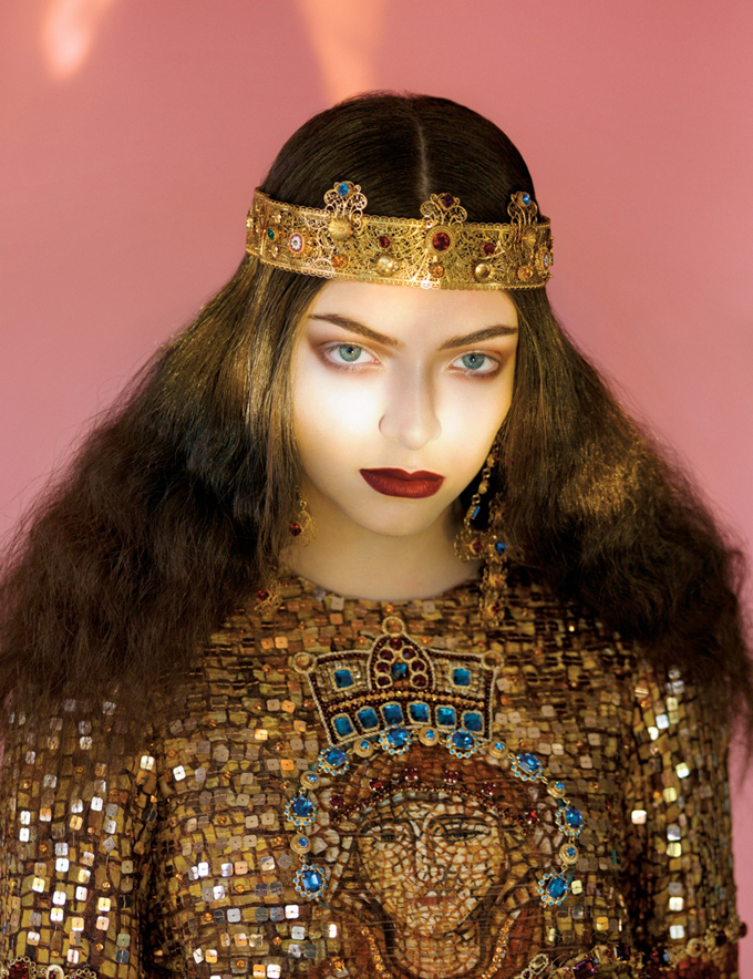 800x1040xlorde-royal-wild-magazine5_jpg_pagespeed_ic_i5FOnpLuoh.jpg