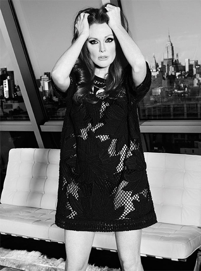 Julianne-Moore-The-Edit-Paola-Kudacki-07.jpg