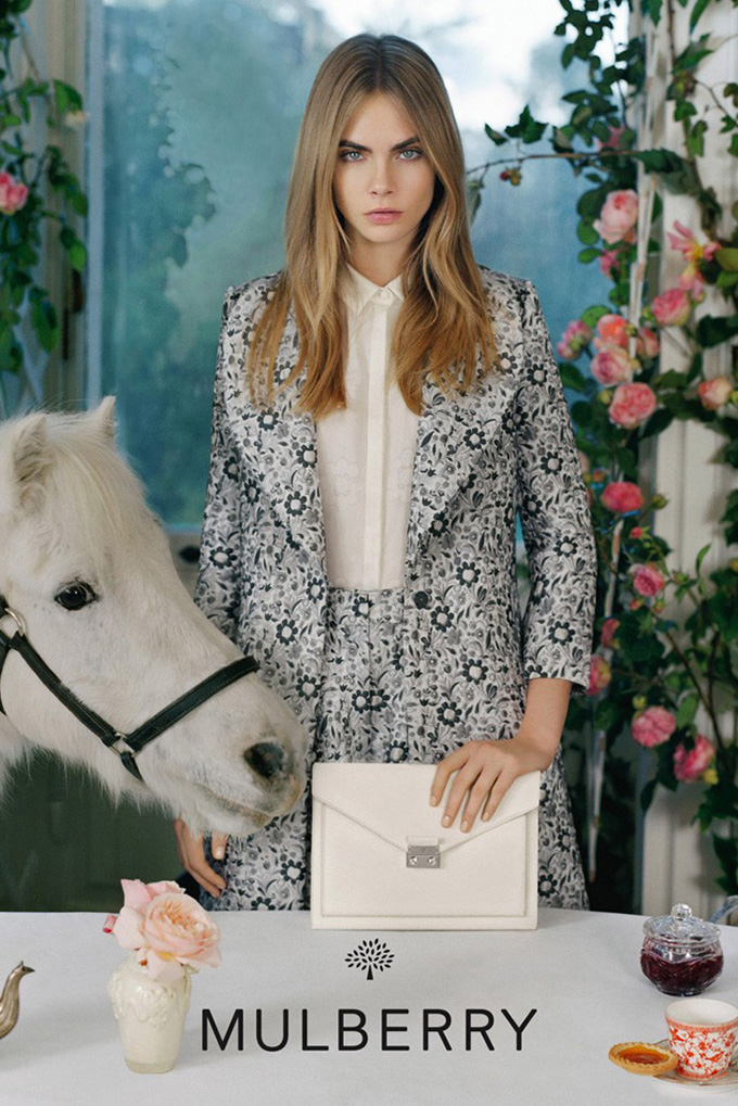 Cara-Delevingne-Mulberry-SS14-03.jpg