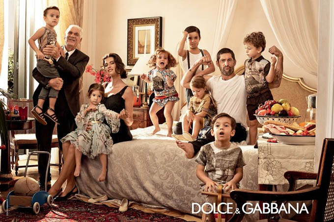 800x533xdolce-gabbana-spring-summer-campaign-3_jpg_pagespeed_ic_tlh3sSqNHs.jpg