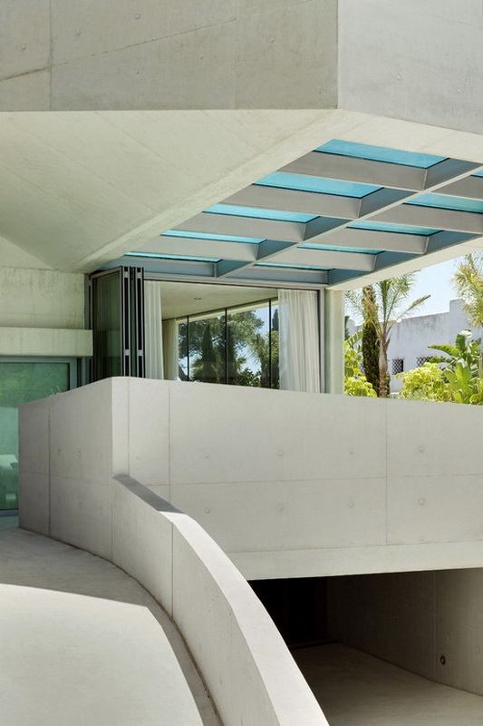 Jellyfish-House_Weil-Arets-Architects_01-600x401.jpg