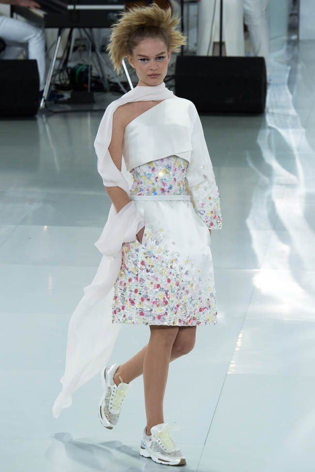 chanel-haute-couture-spring-2014-show37.jpg