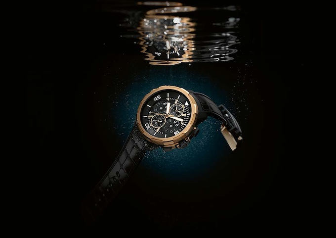 01_IWC_Aquatimer_IW379401_mood.jpg