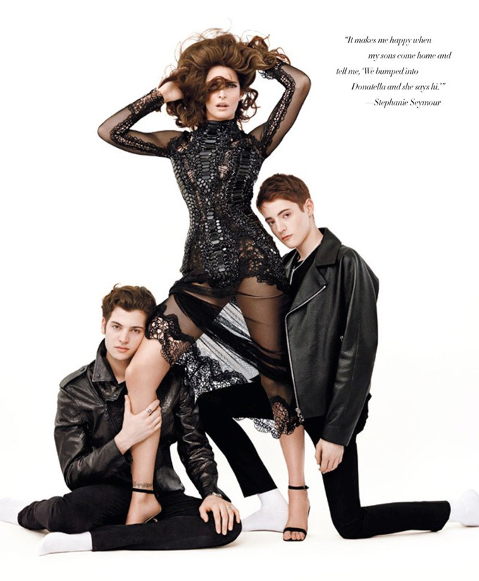 800x970xstephanie-seymour-sons-photos1_jpg_pagespeed_ic_NuHVAfXklO.jpg