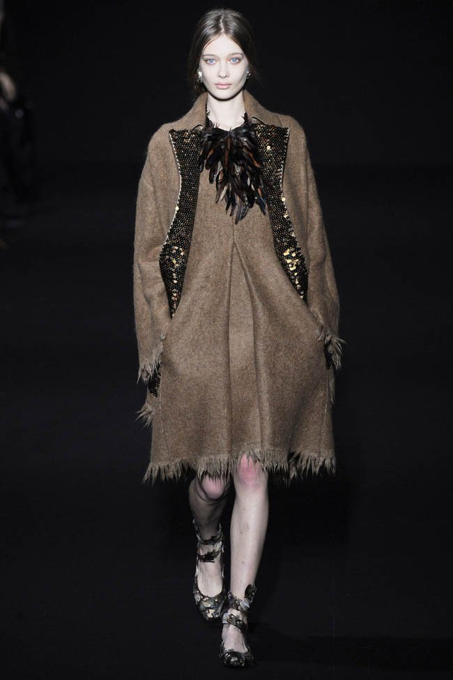 alberta-ferretti-fall-winter-2014-show19.jpg