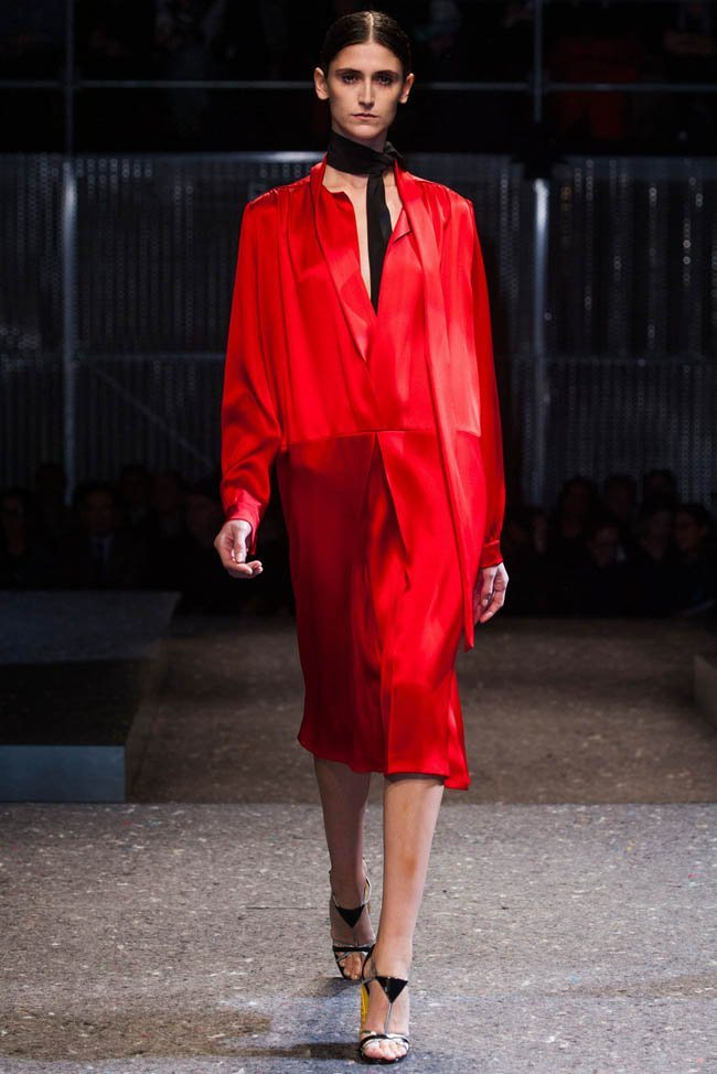 prada-fall-winter-2014-show12.jpg