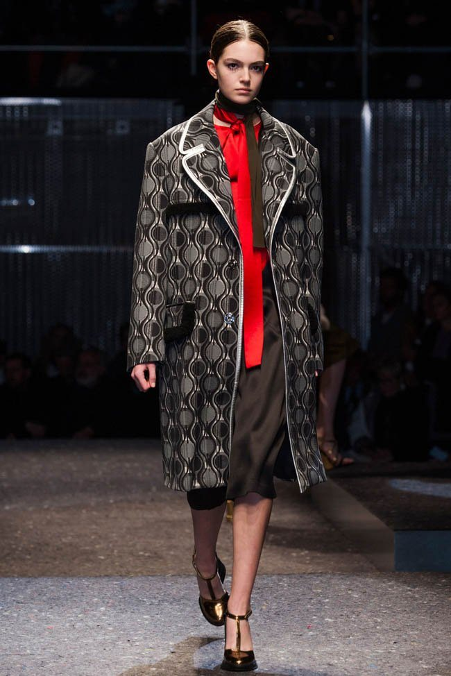 prada-fall-winter-2014-show17.jpg