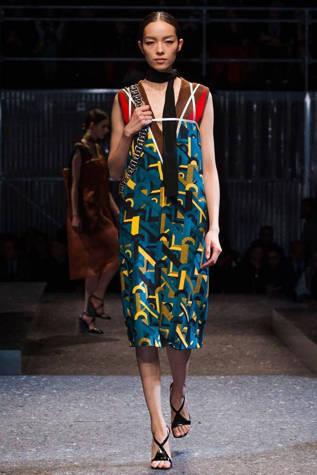 prada-fall-winter-2014-show28.jpg