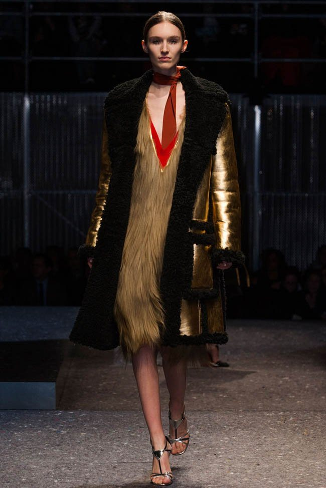prada-fall-winter-2014-show38.jpg