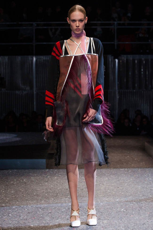 prada-fall-winter-2014-show42.jpg