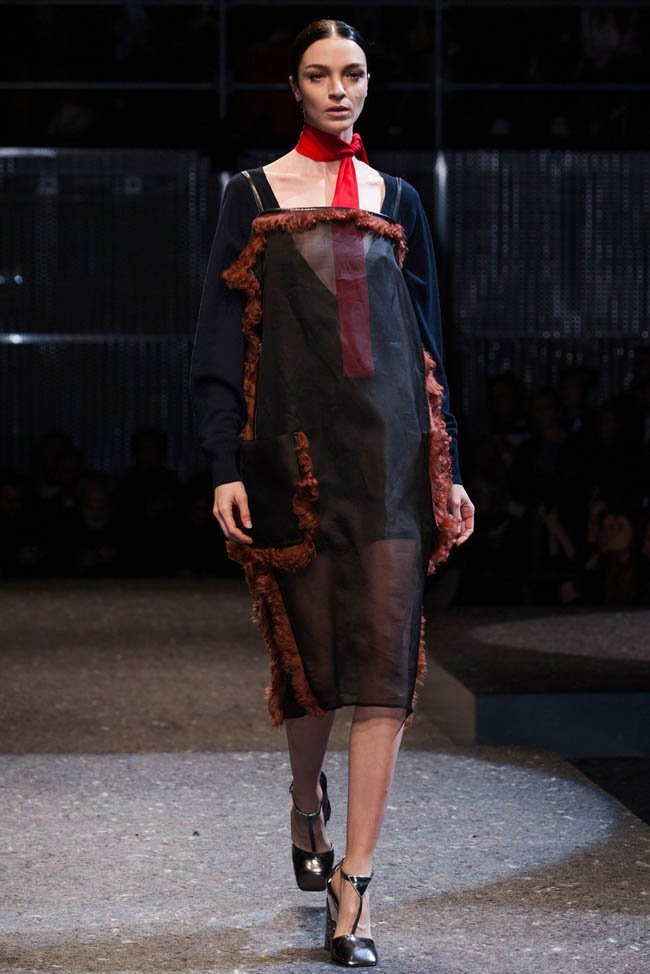prada-fall-winter-2014-show7.jpg
